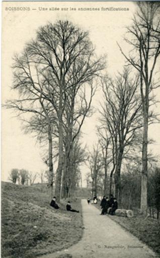 Soissons - Une allée sur les anciennes fortifications_0