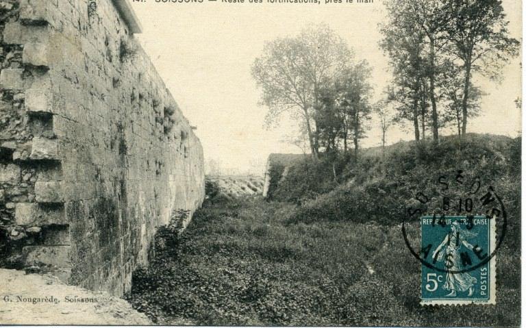 Soissons - Reste des fortifications, près le mail