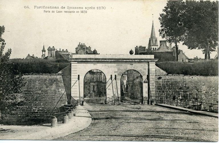 Fortifications de Soissons après 1870 - Porte de Laon restaurée en 1870_0