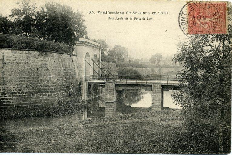 Fortifications de Soissons après 1870 - Pont - Levis de la Porte de Laon_0