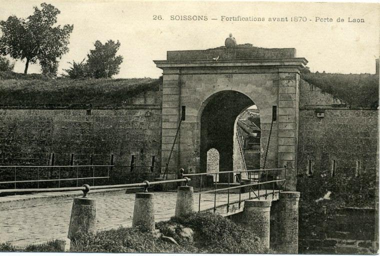 Soissons - Fortifications avant 1870 - Porte de Laon_0