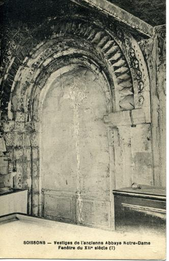 Soissons - Vestiges de l'ancienne Abbaye Notre-Dame - Fenêtre du XIIe siècle