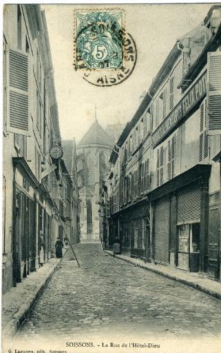 Soissons - La Rue de l'Hôtel-Dieu_0
