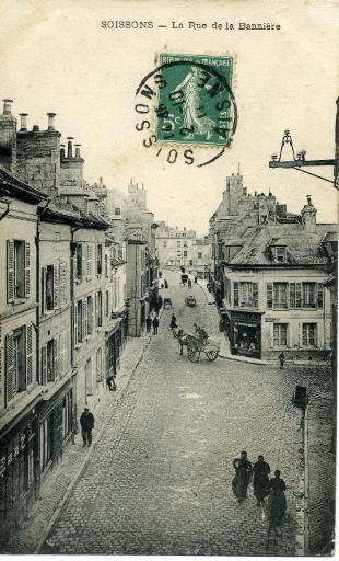 Soissons - La rue de la Bannière_0