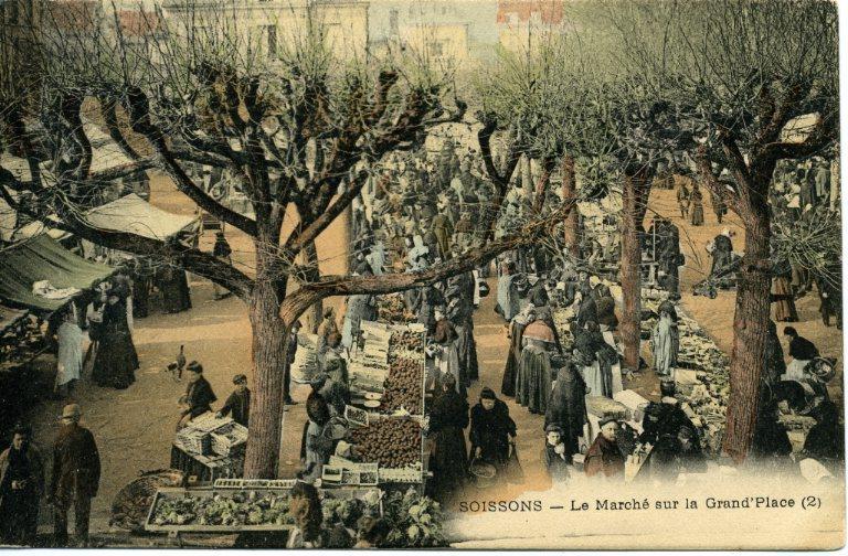 Soissons - Le Marché sur la Grand'Place