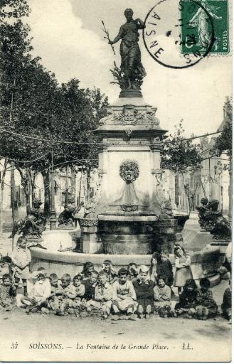 Soissons - La Fontaine de la Grande Place_0