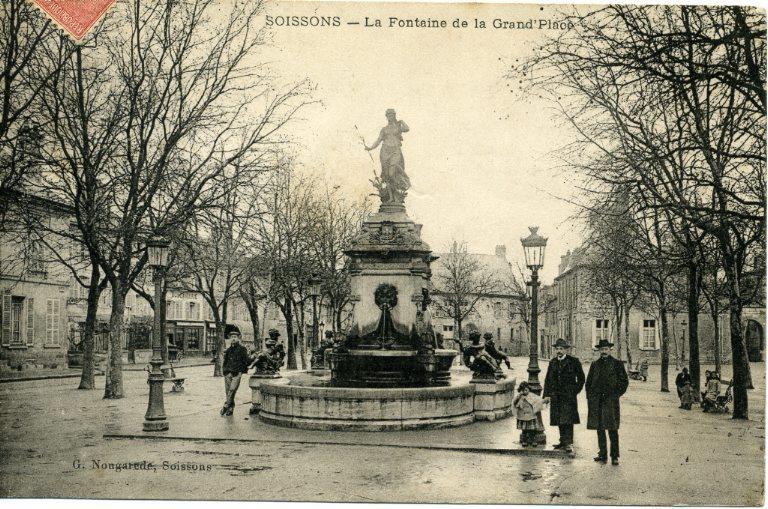 Soissons - La Fontaine de la Grand'Place_0