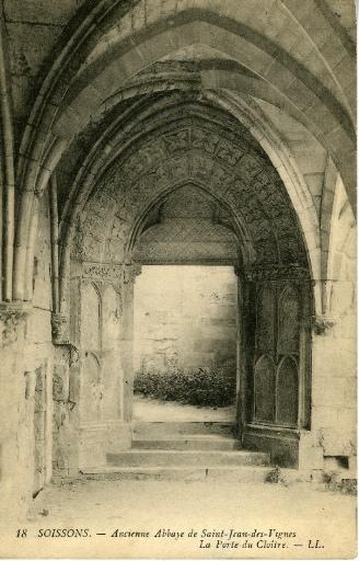 Soissons - Ancienne Abbaye Saint-Jean-des-Vignes - La Porte du Cloître_0