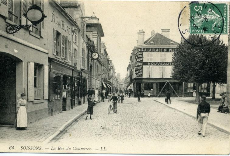 Soissons - La Rue du Commerce