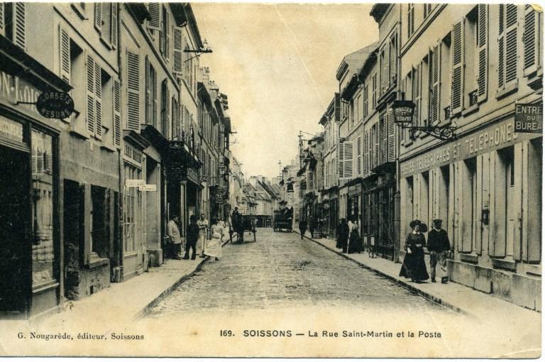 Soissons - La Rue Saint-Martin et la Poste_0