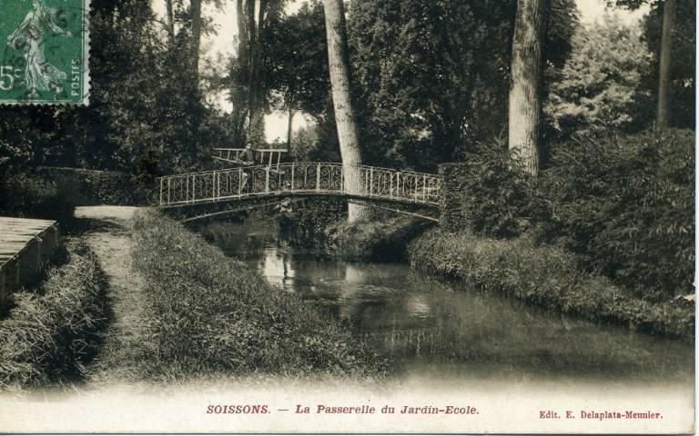 Soissons - La Passerelle du Jardin-Ecole_0