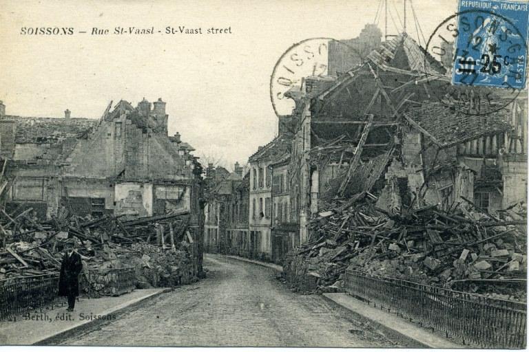 Soissons - Rue Saint-Waast_0