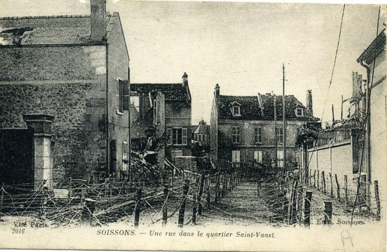 Soissons - Une rue dans le quartier Saint-Waast_0