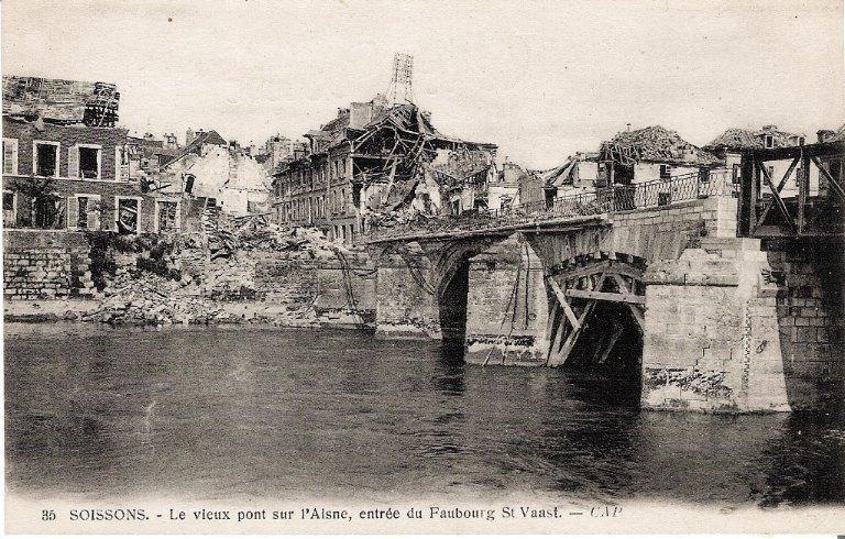 Soissons - Le vieux pont sur l'Aisne, entrée du Faubourg Saint-Waast_0