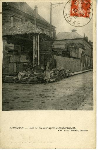 Soissons - Rue de Flandre après le bombardement_0