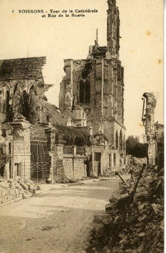 Soissons - Tour de la Cathédrale et Rue de la Buerie_0
