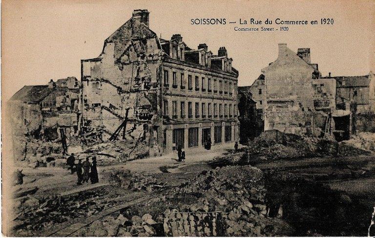 Soissons - La rue du Commerce en 1920_0