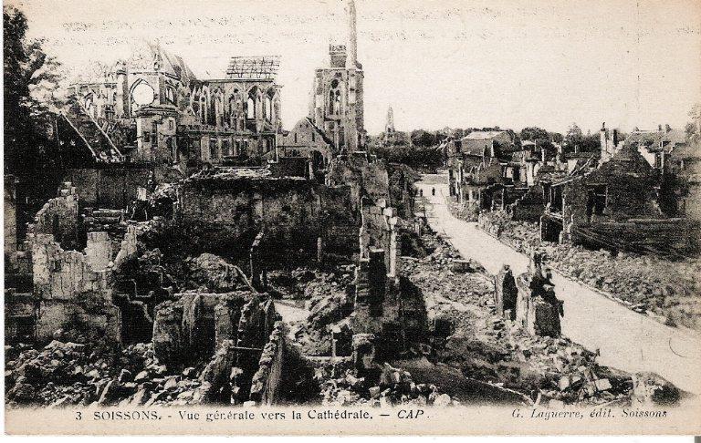 Soissons - Vue générale vers la Cathédrale_0