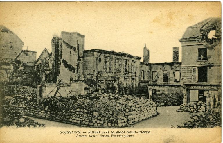Soissons - Ruines vers la place Saint-Pierre_0