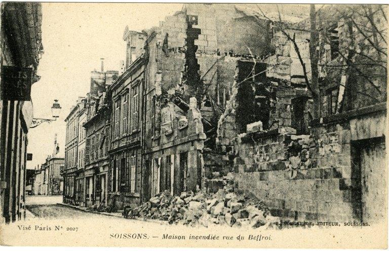 Soissons - Maison incendiée rue du Beffroi_0
