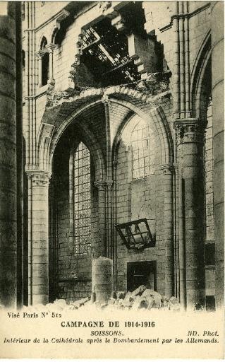 Campagne de 1914-1916 - Intérieur de la Cathédrale après le Bombardement par les Allemands_0