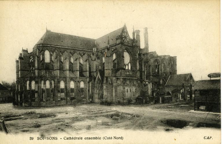 Soissons - Cathédrale ensemble (Côté Nord)_0