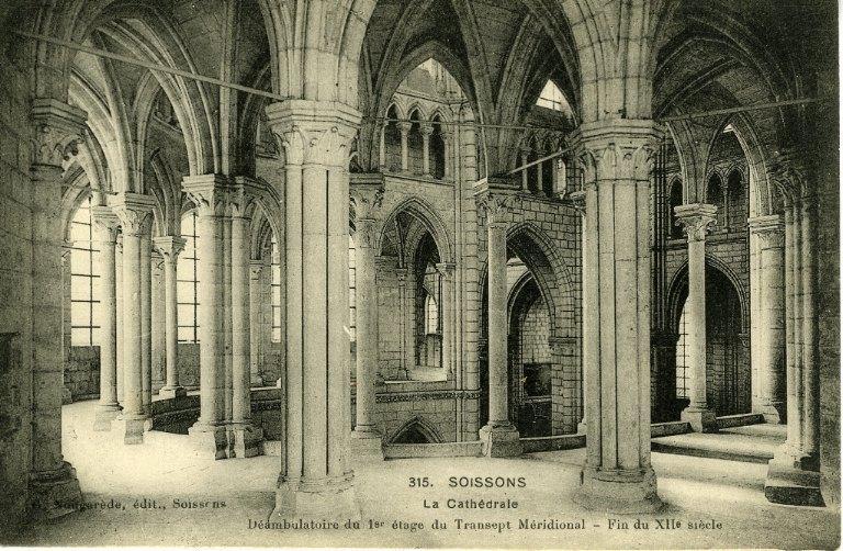 Soissons - Cathédrale - Déambulatoire du 1er étage du Transept Méridional - Fin du XIIe siècle