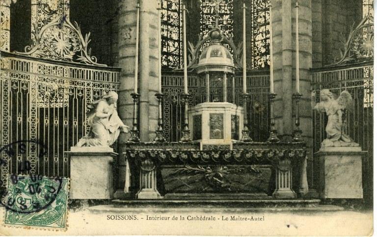 Soissons - Intérieur de la Cathédrale - Le Maître-Autel_0