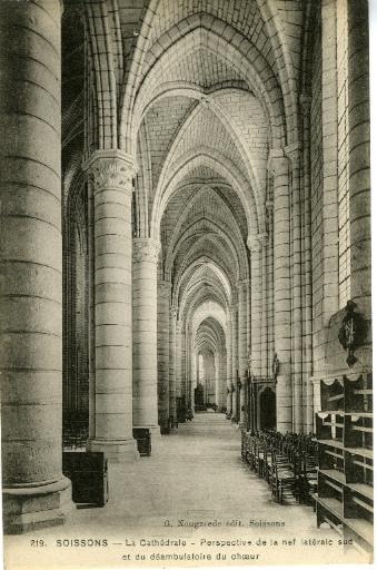 Soissons - La Cathédrale - Perspective de la nef latérale sud et du déambulatoire du choeur