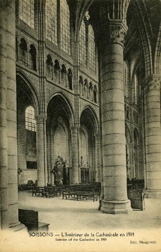 Soissons - L'Intérieur de la Cathédrale en 1914_0
