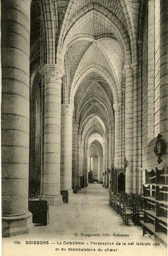 Soissons - La Cathédrale - Perspective de la nef latérale sud et du déambulatoire du choeur_0