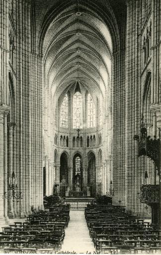 Soissons - La Cathédrale - La Nef_0