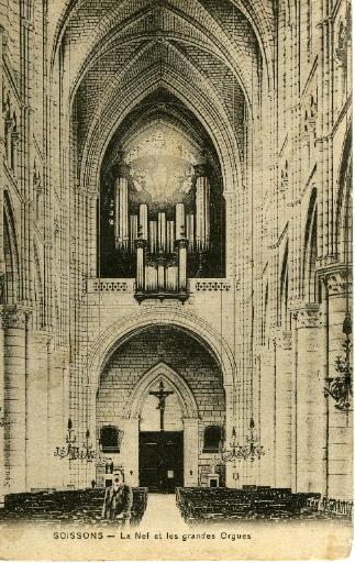 Soissons - La Cathédrale - La Nef et les grandes Orgues_0