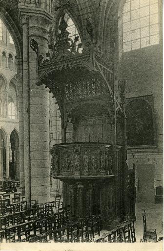 Soissons - Intérieur de la Cathédrale, la Chaire_0
