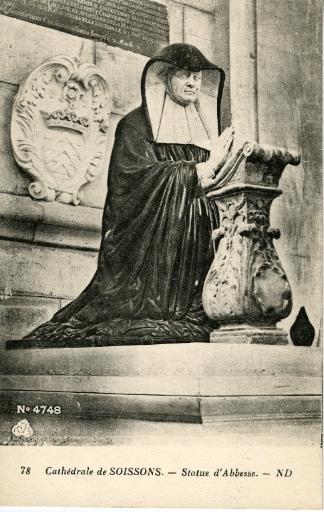 Cathédrale de Soissons - Statue d'Abbesse