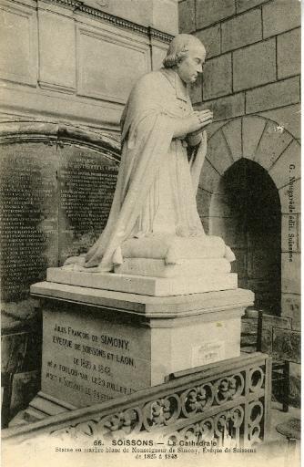 Soissons - La Cathédrale - Statue en marbre blanc de Monseigneur de Simony, Evêque de Soissons de 1825 à 1848_0