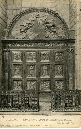 Soissons - Intérieur de la cathédrale, Armoire aux Reliques_0