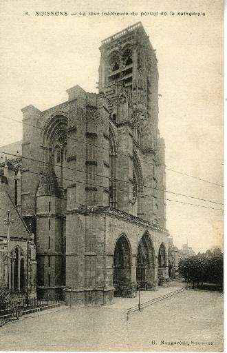 Soissons - La Tour inachevée du portail de la cathédrale_0