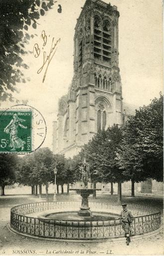 Soissons - La Cathédrale et la Place_0