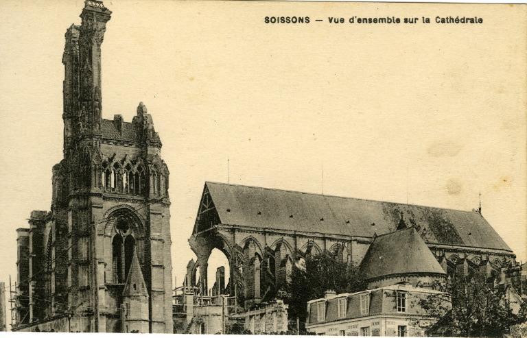 Soissons - Vue d'ensemble sur la Cathédrale_0