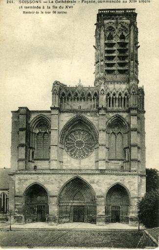 Soissons - La Cathédrale, Façade commencée au XIIème siècle et terminée à la fin du XVème. Hauteur de la tour 66 mètres_0
