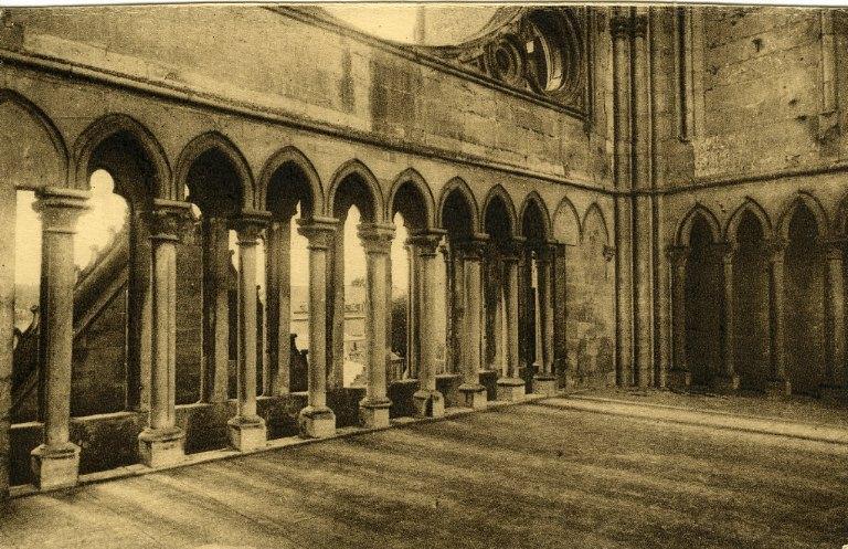 Soissons - Ancienne abbaye Saint-Jean-des-Vignes - 1ère étage, ancienne tribune des orgues_0