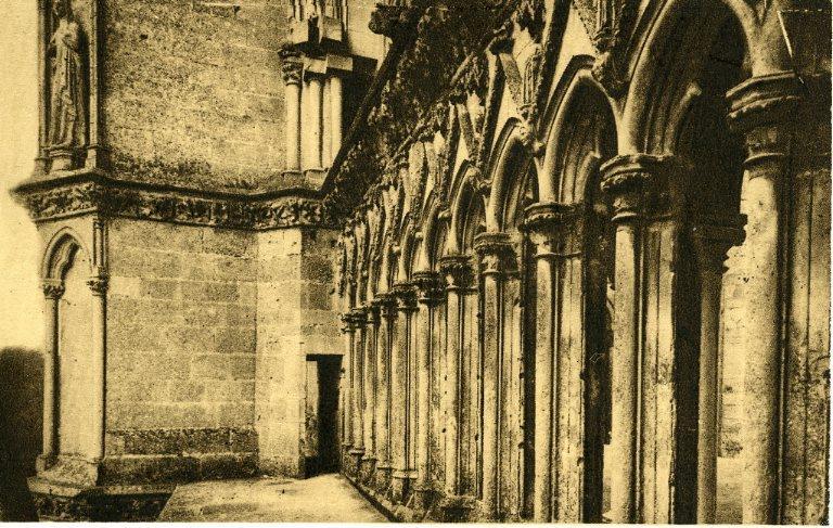 Soissons - Ancienne abbaye Saint-Jean-des-Vignes - La Grande Tour_0