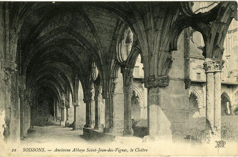 Soissons - Ancienne Abbaye de Saint-Jean-des-Vignes - Le Cloître_0
