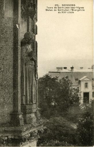 Soissons - Tours de Saint-Jean-des-Vignes - Statue de Saint-Jean l'Evangéliste du XIVe siècle_0