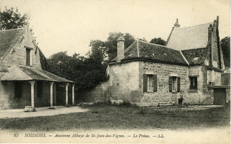Soissons - Ancienne Abbaye Saint-Jean-des-Vignes - Le Préau_0