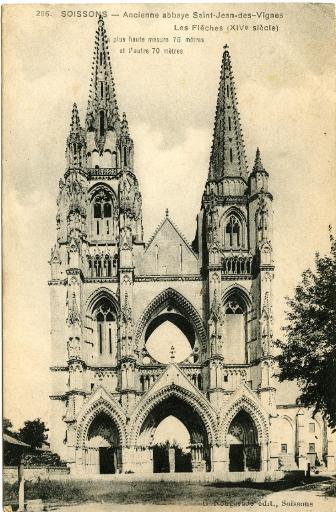 Soissons - Ancienne abbaye de Saint-Jean-des-Vignes - Les Flèches (XIVe siècle). La plus haute mesure 75 mètres et l'autre 70 mètres_0