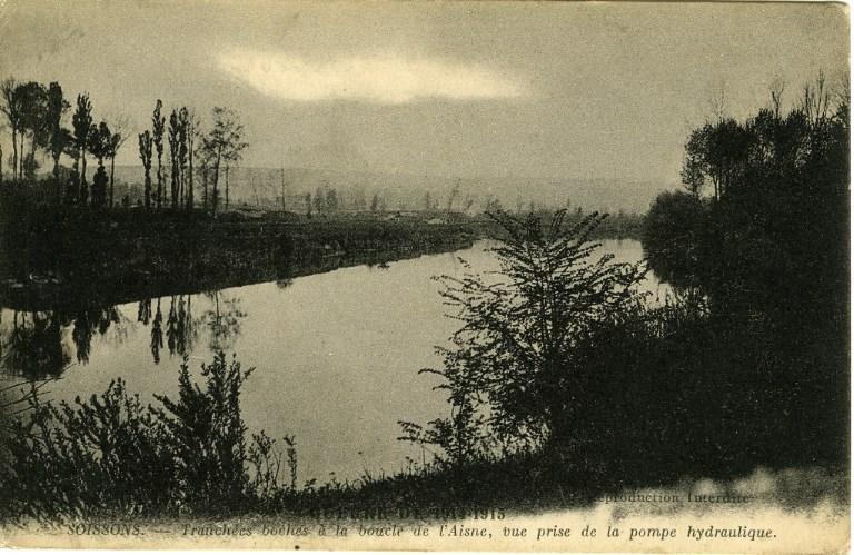 Guerre 1914-1915 -Tranchées boches à la boucle de l'Aisne, vue prise de la pompe hydraulique_0