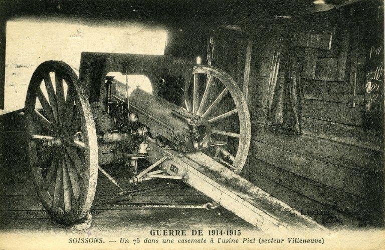 La grande guerre 1914-1915 - Soissons - Un 75 dans une casemate à l'usine Piat_0