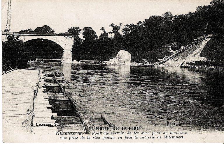 La grande guerre 1914-1915 - Villeneuve - Pont du chemin de fer avec pont de tonneaux_0